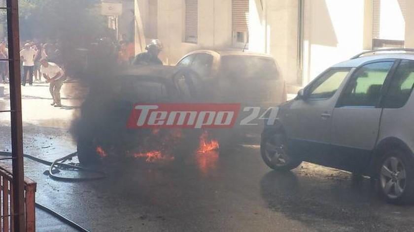 Πάτρα: Τσακώθηκε με συγγενή του και έκαψε τρία αυτοκίνητα! (pics+vid)