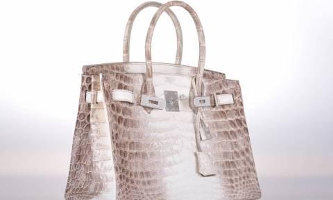 Αυτή είναι η πιο ακριβή τσάντα στον κόσμο – Δείτε γιατί (Vid)