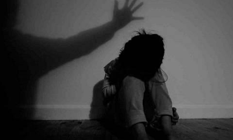Εφιάλτης για τρία ανήλικα αδέλφια στη Θεσσαλονίκη: «Πα-τέρας» τα εξανάγκαζε με τη βία στην επαιτεία