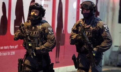 Διπλή τρομοκρατική επίθεση Λονδίνο: Έξι οι νεκροί, τριάντα οι τραυματίες – Νεκροί και οι δράστες