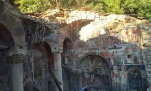 Κατέρρευσε Ορθόδοξο μοναστήρι στη Βόρεια Ήπειρο – Συγκλονιστικές φωτογραφίες