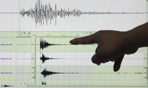 Σεισμός στην Αθήνα: Πετάχτηκαν από τα κρεβάτια τους οι κάτοικοι