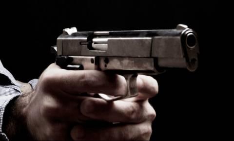 Πανικός στο Ηράκλειο: Πέρασε έξω από μπαρ και άρχισε να πυροβολεί αδιακρίτως