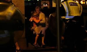 Επίθεση στο Λονδίνο: Ένας Έλληνας μέσα σε παμπ φωνάζει: «Έχω ματώσει» (vid)