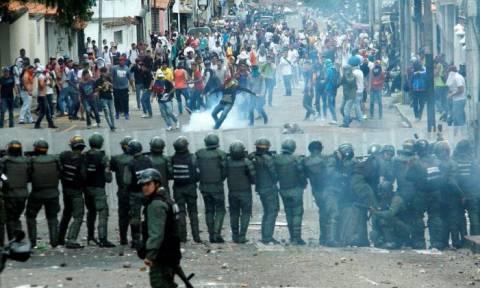 Βενεζουέλα: 65 νεκροί από τις ταραχές μέσα σε δύο μήνες