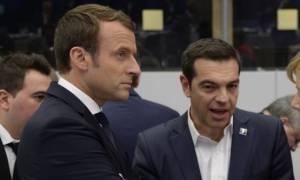 Eurogroup: Το Μαξίμου «ποντάρει» σε βοήθεια του Μακρόν για το χρέος