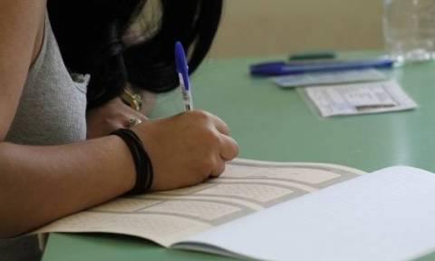 Πανελλήνιες Πανελλαδικές 2017: Αρχίζουν οι εξετάσεις με Νεοελληνική Γλώσσα - Έκθεση στα ΕΠΑΛ