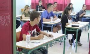 Πανελλήνιες Πανελλαδικές 2017: Πρεμιέρα για τους υποψηφίους στα ΕΠΑΛ με Νεοελληνική Γλώσσα - Έκθεση