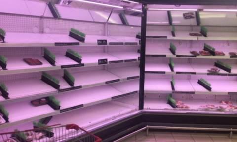 Κατάρ: Σε κατάσταση πανικού οι κάτοικοι - Aδειάζουν τα ράφια των σούπερ μάρκετ