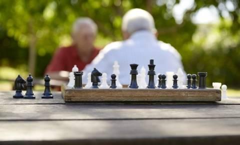 Ασφαλιστικό- «Γολγοθάς»: Τι χάνουν και τι κερδίζουν παλαιοί και νέοι συνταξιούχοι