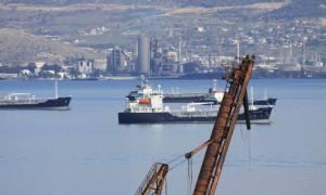 Ελευσίνα: Κραυγή αγωνίας από τους κατοίκους για τη θαλάσσια ρύπανση