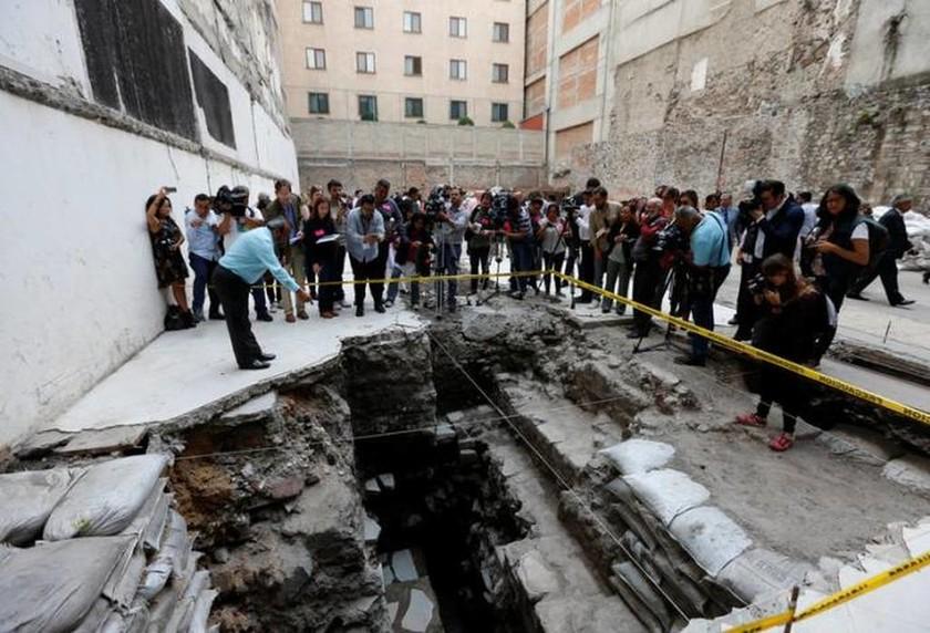 Απίστευτη ανακάλυψη: Βρέθηκε ναός των Αζτέκων στο κέντρο της Πόλης του Μεξικού (pics)