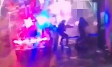 Βίντεο - Σοκ: Η στιγμή της εκτέλεσης των τριών μακελάρηδων του Λονδίνου (ΠΡΟΣΟΧΗ! ΣΚΛΗΡΕΣ ΕΙΚΟΝΕΣ)