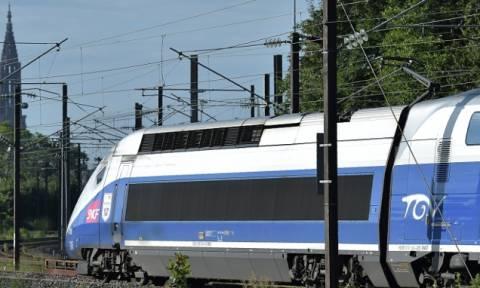 Ηθοποιός πρόβαρε το ρόλο του στο τρένο και... σήμανε συναγερμός!