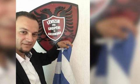 Άφησαν ελεύθερο τον Αλβανό που έκαιγε ελληνικές σημαίες και αυτός άρχισε τις απειλές