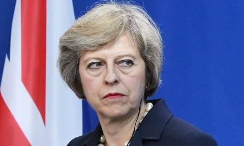 Εκλογές Βρετανία - Τερέζα Μέι: Να μείνει ή να φύγει;