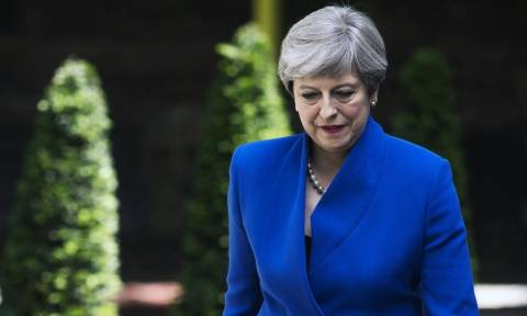 Εκλογές Βρετανία: Η Τερέζα Μέι επιβεβαιώνει το σχηματισμό κυβέρνησης με την υποστήριξη του DUP