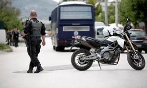 Θάνατος μαθητή στο Μενίδι: Στο «γκέτο» των Ρομά οι έρευνες της ΕΛ.ΑΣ.