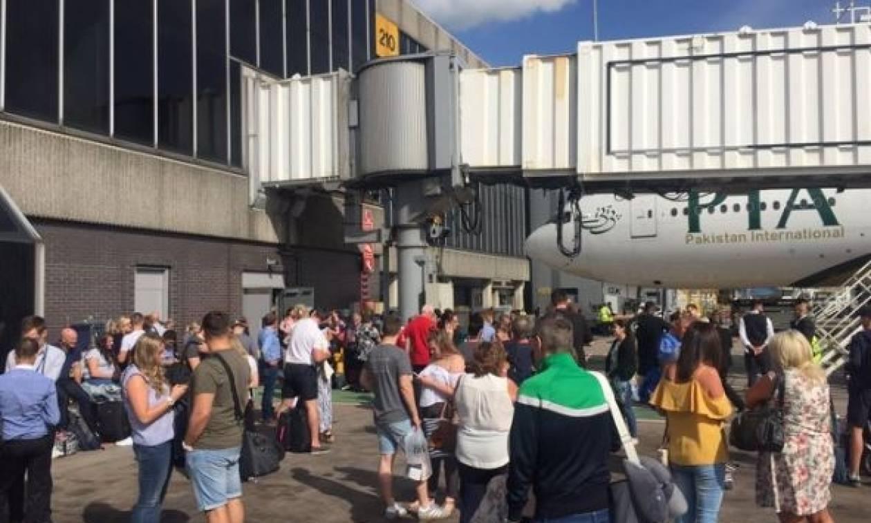 Συναγερμός στη Βρετανία: Εκκενώθηκε τερματικός σταθμός στο αεροδρόμιο του Μάντσεστερ (pics+vid)