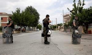 Θάνατος μαθητή στο Μενίδι: Μεγάλη επιχείρηση της ΕΛ.ΑΣ με 250 αστυνομικούς σε οικισμό Ρομά