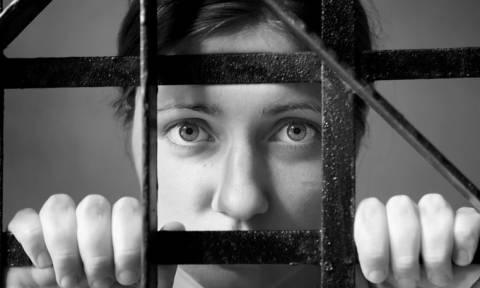 Θεσσαλονίκη: Εφιαλτικές στιγμές για 34χρονη σε διαμέρισμα στο κέντρο της πόλης