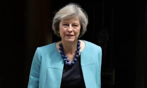 Εκλογές Βρετανία: «Κλείδωσε» η κυβέρνηση μειοψηφίας των Συντηρητικών με το βορειορλανδικό Κόμμα DUP