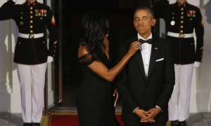 Ο Ομπάμα τα οκτώ χρόνια της θητείας του φορούσε το ίδιο σμόκιν!