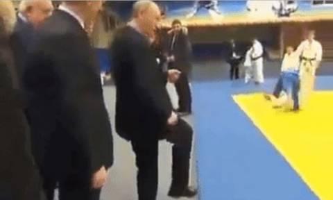 Viral: Ο Βλαντιμίρ Πούτιν σου δείχνει πώς να το κάνεις σωστά (Vid)