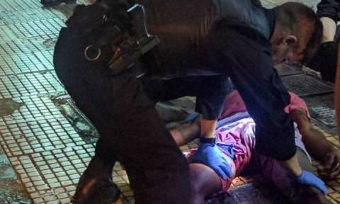 Αποκλειστικό: Διάσωση τραυματία από αστυνομικούς της ομάδας ΔΙΑΣ στο κέντρο της Αθήνας (pics&vid)