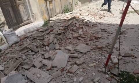 Σεισμός Μυτιλήνη: Κατέρρευσαν σπίτια στο Πλωμάρι - Δείτε αποκλειστικές εικόνες