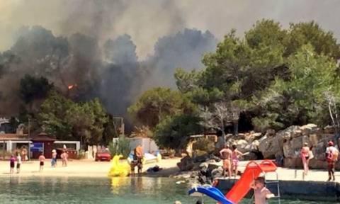 Ίμπιζα: Εκκενώθηκε ξενοδοχείο εξαιτίας μεγάλης πυρκαγιάς (pics+vids)