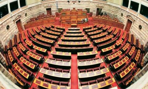 Βουλή: Αυστηρότατες κυρώσεις κατά Κασιδιάρη και Σαχινίδη