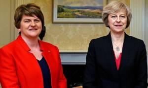 Βρετανία: Αύριο υπογράφεται η συμφωνία των Τόρις με τους DUP
