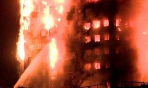 LIVE - Πύρινη κόλαση στο Λονδίνο: Τεράστια φωτιά σε κτήριο 27 ορόφων - Πολλοί τραυματίες (pics&vid)