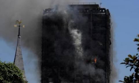 LIVE - Φωτιά Λονδίνο: Εικόνες αποκάλυψης - Έξι νεκροί, δεκάδες τραυματίες και αγνοούμενοι