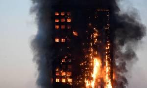 Φωτιά Λονδίνο: Εικόνες ΣΟΚ από τη μεγάλη πυρκαγιά στο κτήριο Grenfell Tower (pics)