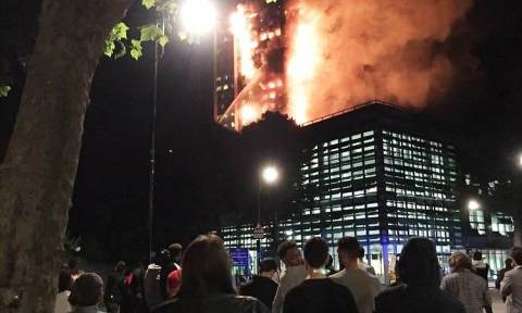 Φωτιά Λονδίνο: Άγνωστος ο αριθμός των νεκρών από την κόλαση στον Grenfell Tower
