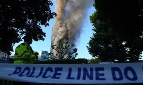 Φωτιά Λονδίνο: Θρίλερ με τα αίτια της τραγωδίας - Γιατί «λαμπάδιασε» μέσα σε λίγα λεπτά το κτήριο