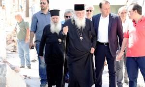 Σεισμός Μυτιλήνη: Στο πλευρό των σεισμοπαθών ο Αρχιεπίσκοπος Ιερώνυμος (pics)
