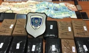 Συναγερμός στην Πάτρα: Εντοπίστηκε φορτηγό με 14 κιλά κοκαΐνης (pics)