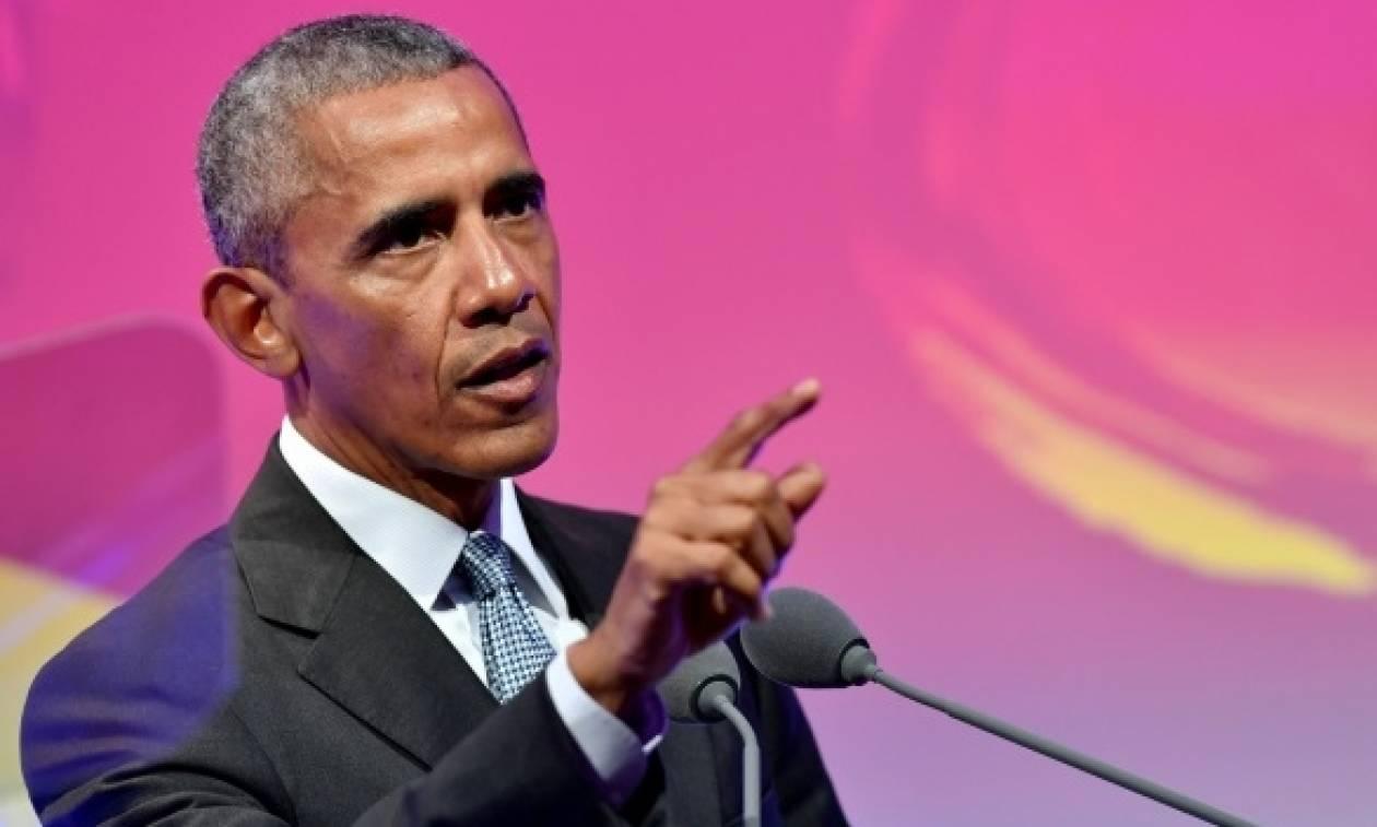 Ο Μπαράκ Ομπάμα γράφει τον πρόλογο στη φωτογραφική του βιογραφία!