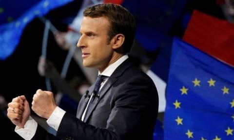 Εκλογές Γαλλία: Προς κυβερνητική πλειοψηφία-ρεκόρ οδεύει ο Μακρόν