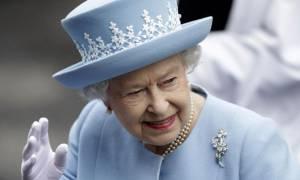 Το μήνυμα της βασίλισσας Ελισάβετ για τα γενέθλιά της: Η χώρα δοκιμάζεται αλλά…