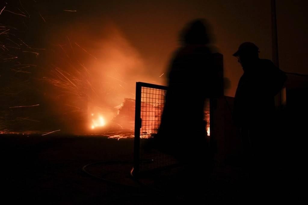 Εθνική τραγωδία στην Πορτογαλία: Απανθρακώθηκαν τουλάχιστον 57 άνθρωποι σε πυρκαγιά (pics+vids)