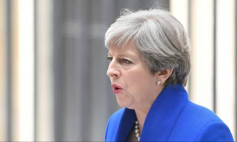 Ραγδαίες εξελίξεις στη Βρετανία: Εξυφαίνεται σχέδιο ανατροπής της Τερέζα Μέι