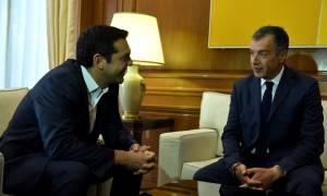 Θεοδωράκης προς Τσίπρα: Αδικαιολόγητη η καθυστέρηση στη διαπραγμάτευση