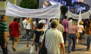 Λάρισα: Πορεία στο κέντρο της πόλης από τους συμβασιούχους των δήμων
