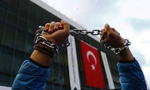 Πραξικόπημα Τουρκία: Άρχισε η πρώτη δίκη με κατηγορούμενους δημοσιογράφους