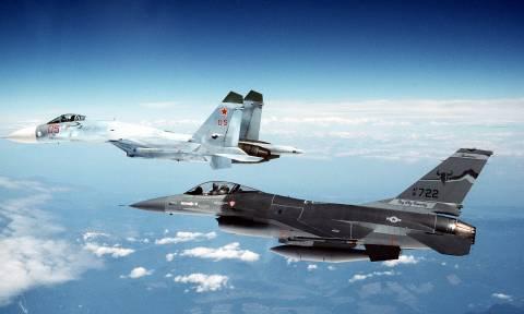 Αγρίεψαν τα πράγματα: Αερομαχίες νατοϊκών και ρωσικών μαχητικών (vids)