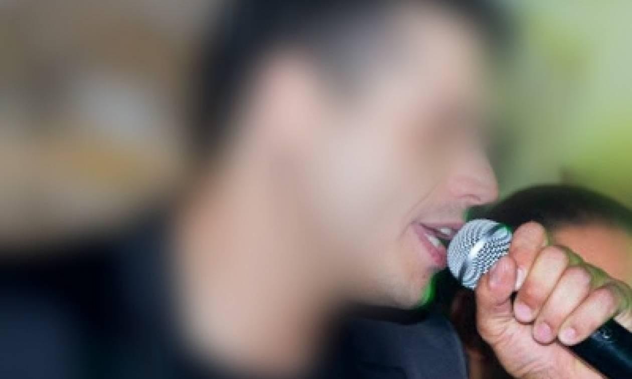 Σοκ στον καλλιτεχνικό κόσμο: Συνελήφθη γνωστός τραγουδιστής για παράνομη οπλοκατοχή